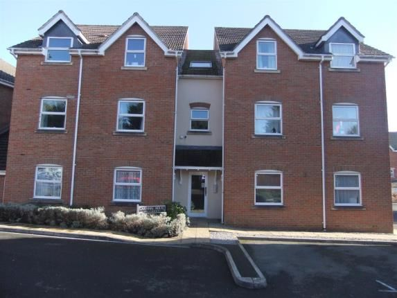 Thumbnail Flat for sale in Jubilee Close, Salisbury, Wiltshire