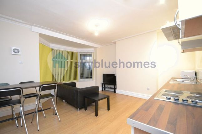 Thumbnail Flat to rent in East Park Road, Leicester