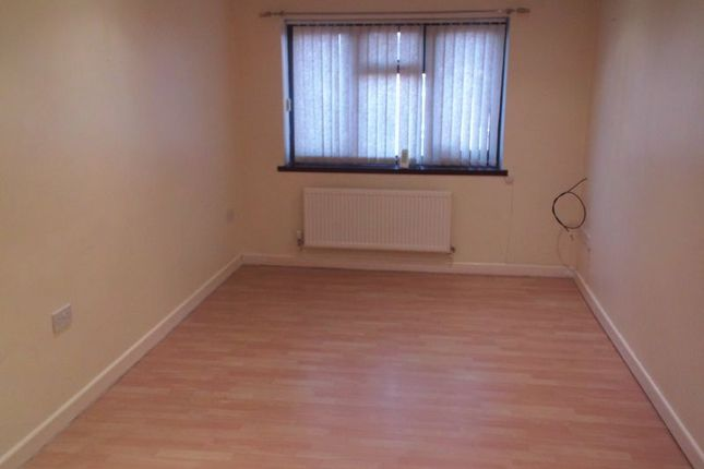 Thumbnail Flat to rent in Deansway, Bromsgrove