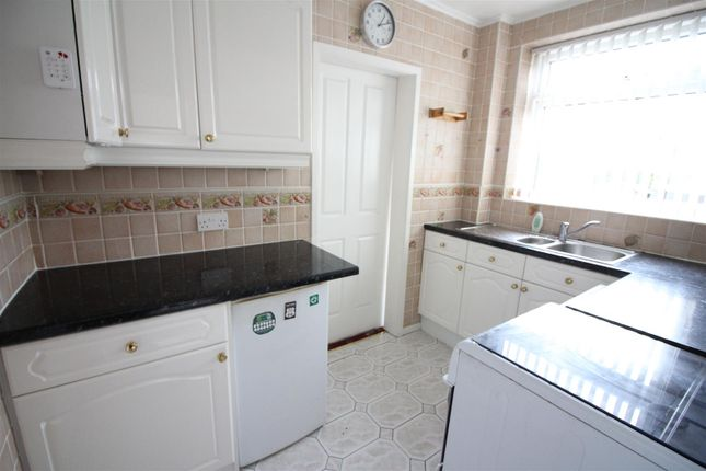 Kitchen of Hansby Close, Leeds LS14