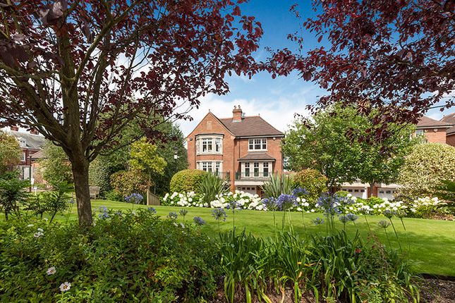 5 bed semi-detached house for sale in Mountview Close, Hampstead Way, Hampstead Garden Suburb