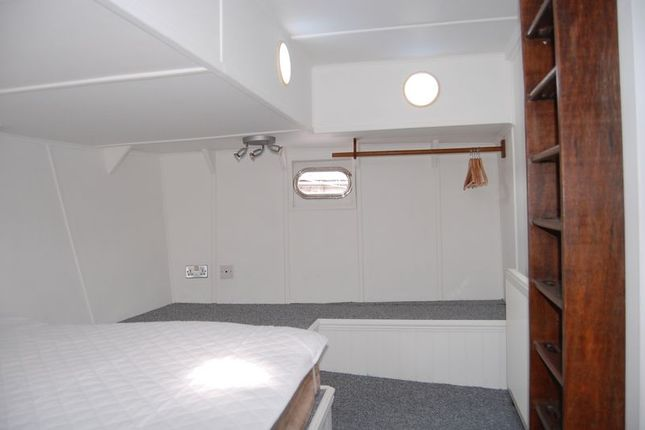 Double Bedroom of The Grove, Bristol BS1