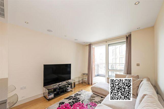 Thumbnail Flat for sale in Doulton House, Park Street, Chelsea Creek, Fulham, London