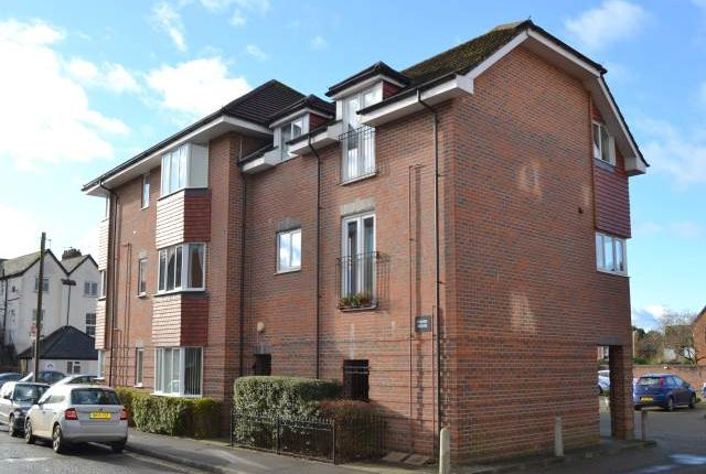 Thumbnail Flat to rent in Fisher House, Oddfellows Road, Newbury