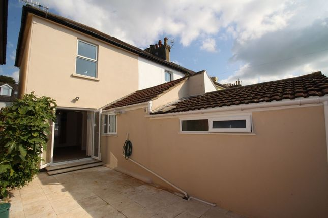 Thumbnail Property to rent in Seabrook Road, Hythe