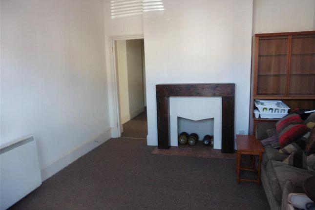 Lounge of Upper Grosvenor Road, Tunbridge Wells, Kent TN1