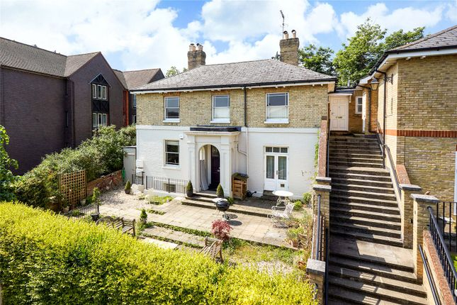 Thumbnail Flat for sale in Farnham Heights, The Mount, Guildford, Surrey