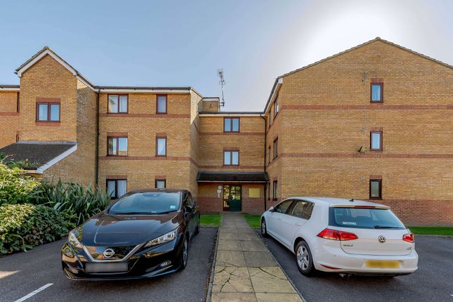 2 bed flat for sale in Windmill Drive, London NW2
