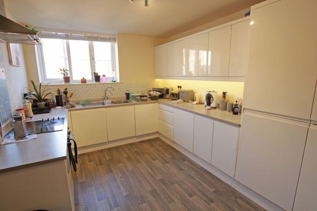 Thumbnail Flat to rent in High Street, Burton-On-Trent