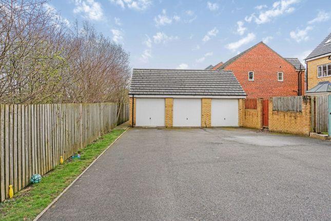 Garage of Hawthorn Lane, Cleckheaton BD19