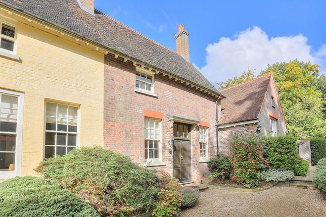 Thumbnail Property to rent in Cheverells House, Markyate, Herts