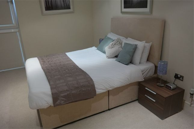1 bed flat to rent in Hatton Wall, London