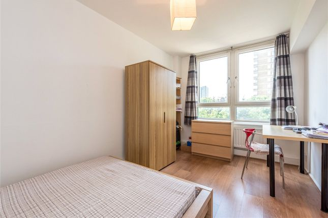 Picture No. 15 of Newland Court, Old Street, Islington, London EC1V