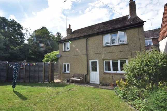 Thumbnail Detached house to rent in Sandrock Hill Road, Wrecclesham, Farnham