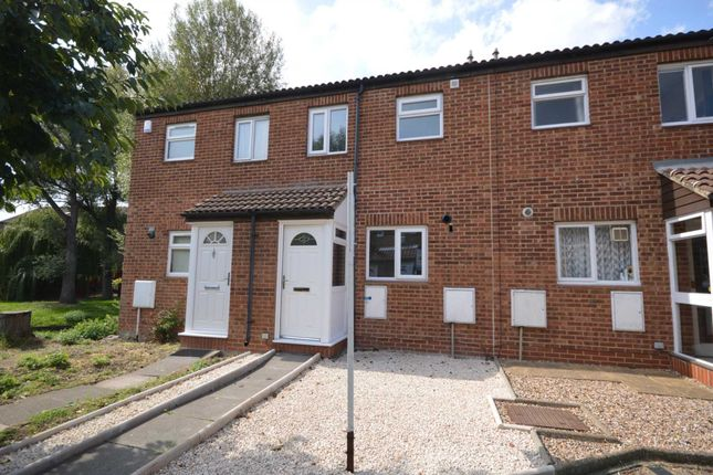 Thumbnail Property for sale in Kingfisher Close, London