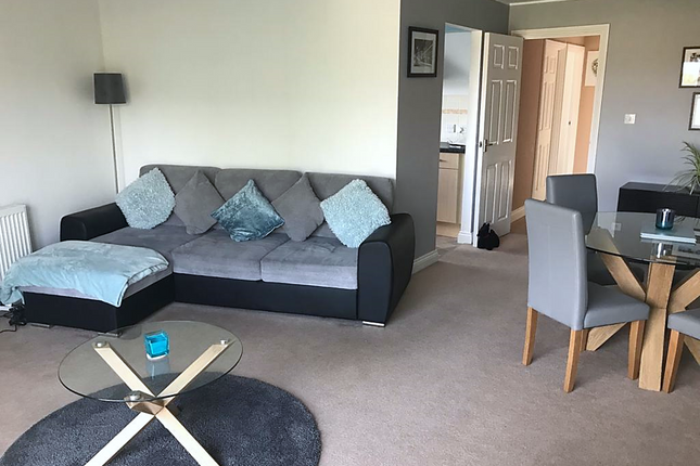 Thumbnail 2 bed flat to rent in Windsor Road, Cardiff
