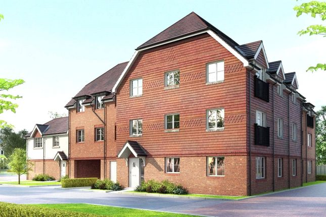 Thumbnail Flat for sale in Bagshot Road, Knaphill, Surrey GU212Rn