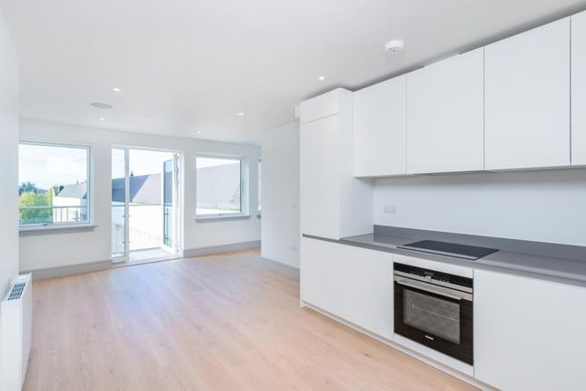 Thumbnail Studio to rent in Middlesex House, Spring Villa Road, Edgware