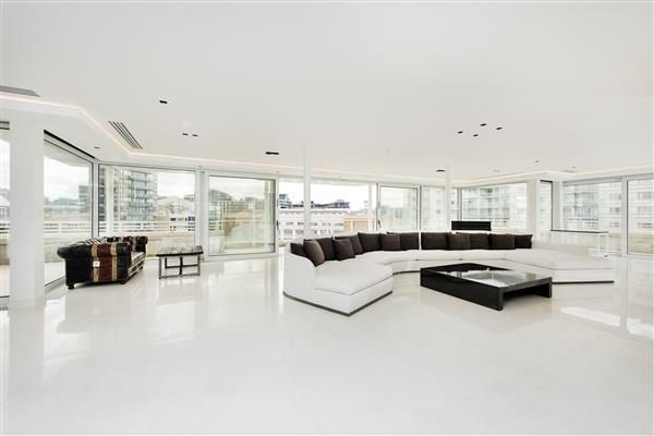 Thumbnail Flat for sale in Kings Quay, Chelsea Harbour, London