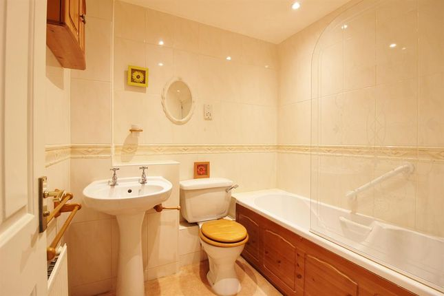 Bathroom of Jarvis Place, St. Michaels, Tenterden TN30