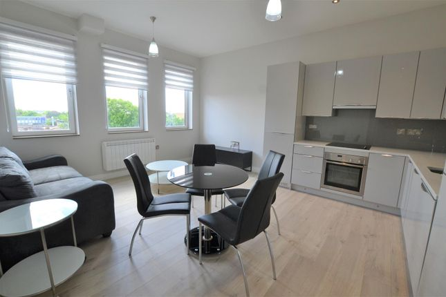 Thumbnail Flat to rent in Station Approach, Yiewsley, West Drayton