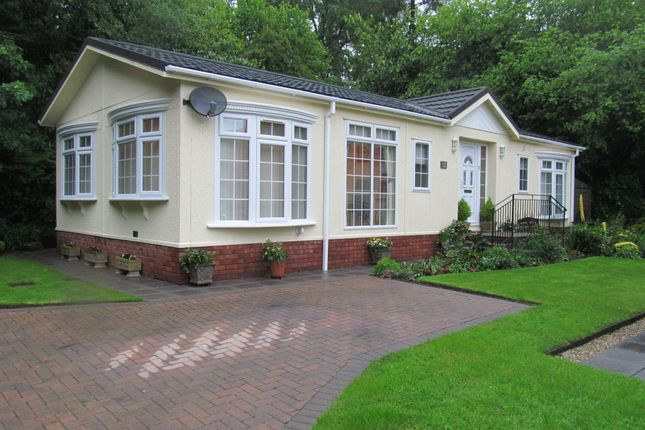 Thumbnail Mobile/park home for sale in Riverside Way, Ashburton Park, Ashburton, Newton Abbot, Devon