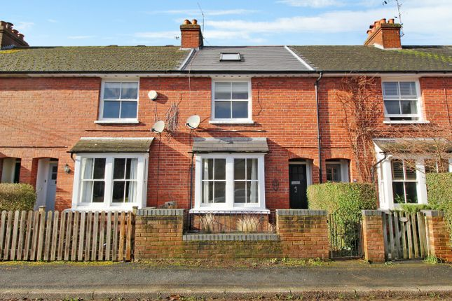 Thumbnail Terraced house to rent in Rack Close Road, Alton