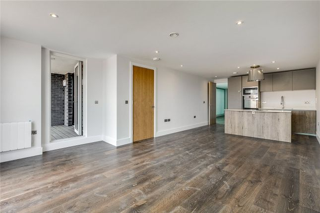 Thumbnail Flat for sale in 25 Downham Road, London