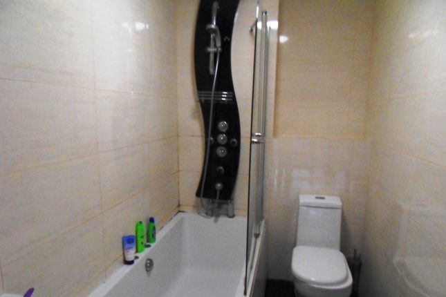 Thumbnail Flat to rent in Westgate Road, Newcastle Upon Tyne