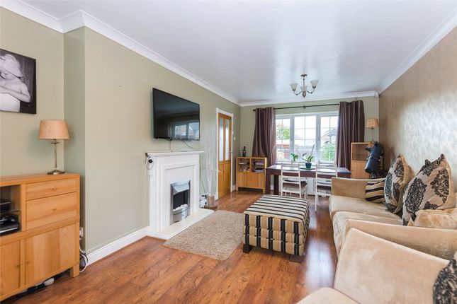 Thumbnail Terraced house for sale in Knights Way, Brentwood, Essex