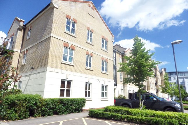 Thumbnail Flat to rent in Coxhill Way, Aylesbury, Bucks