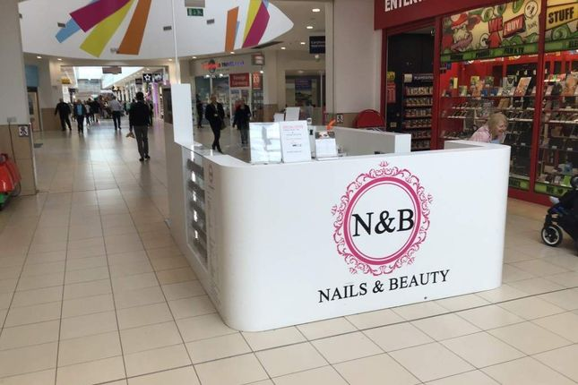 Thumbnail Retail premises for sale in Tryst Road, Cumbernauld, Glasgow