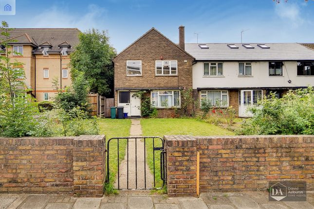 Thumbnail Terraced house for sale in Green Lanes, London