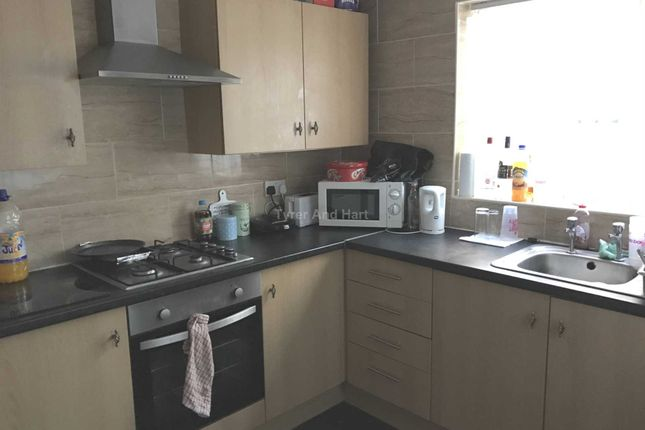 Thumbnail Shared accommodation to rent in Connaught Road, Kensington Fields, Liverpool