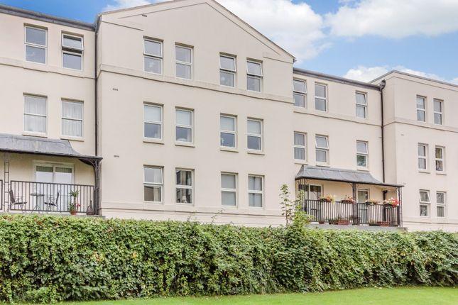 Oakfield house leamington spa warwickshire cv32 1 for Modern homes leamington