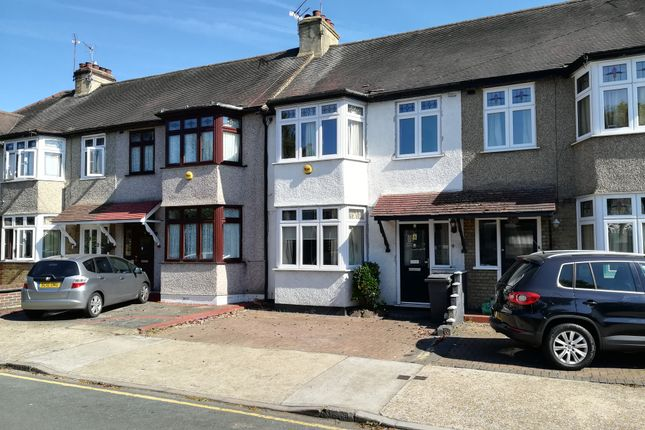 3 bed terraced house to rent in Norfolk Road, Upminster RM14