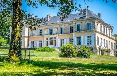 Thumbnail Equestrian property for sale in Jazeneuil, Vienne, France