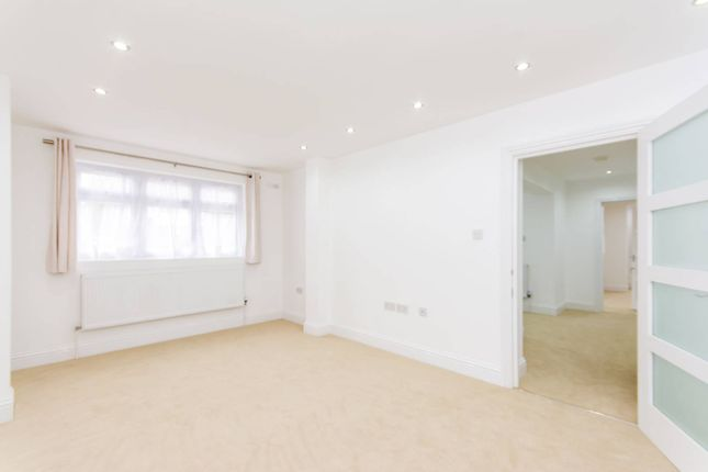 Thumbnail Property to rent in Mill Hill East, Mill Hill East, London