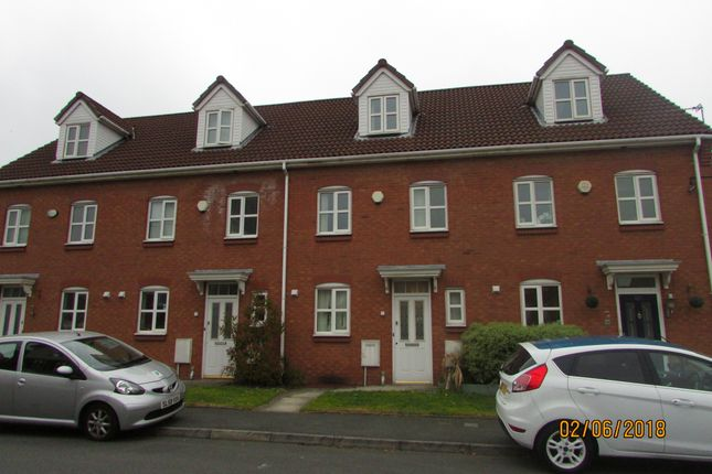 Thumbnail Town house to rent in Cromwell Avenue, Reddish