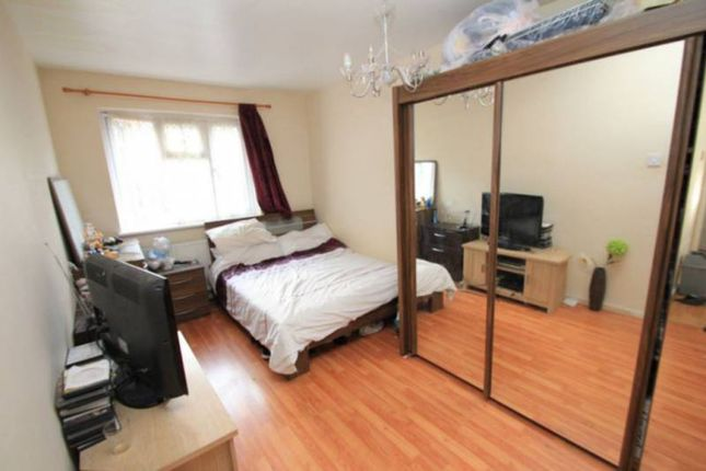 Thumbnail Room to rent in Phillchurch Place, Aldgate East