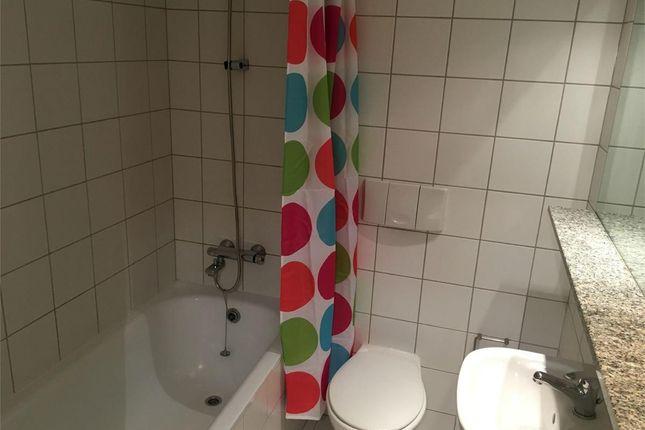Bath Room.Png of Royal Quay, Liverpool L3