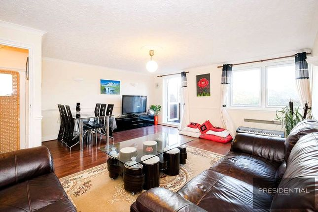 3 bed flat for sale in Tamar Square, Woodford Green IG8