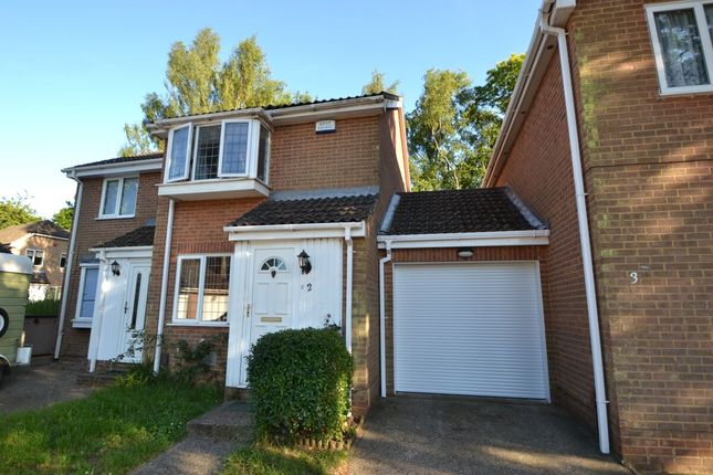 2 bed terraced house to rent in Catkin Close, Chatham ME5