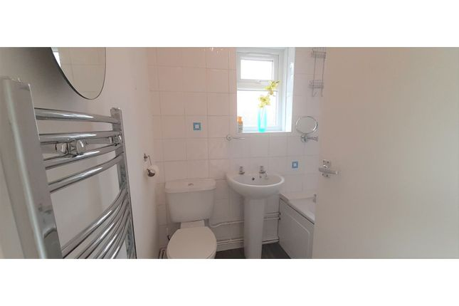 Bathroom of Asquith Boulevard, West Knighton, Leicester LE2