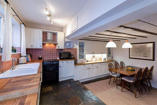 2 bed cottage for sale in Coulsdon Road, Coulsdon, Surrey