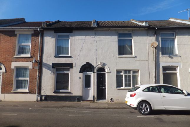 4 bed terraced house to rent in Guildford Road, Portsmouth