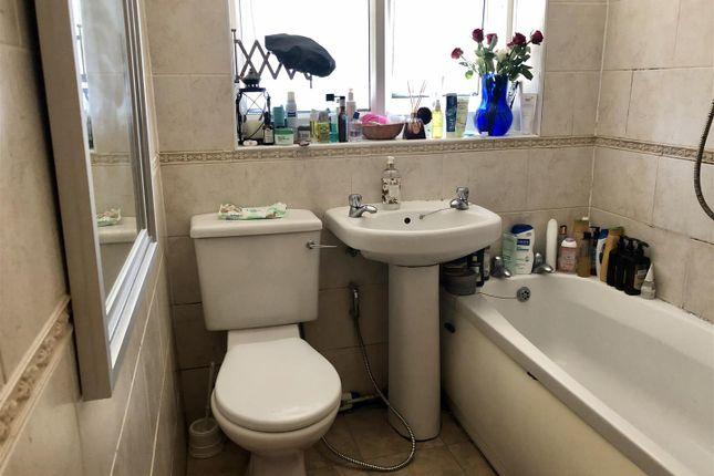 Bathroom of Cedar Close, Broadstairs CT10