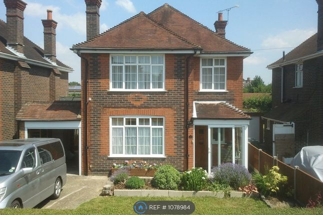 4 bed detached house to rent in East Meads, Guildford GU2