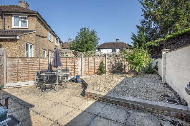 Garden of Brookfield Crescent, Headington, Oxford OX3