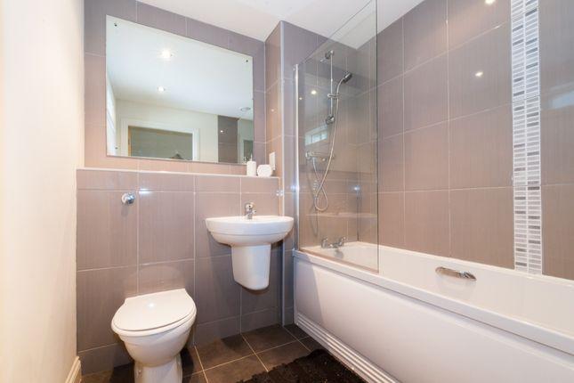 Bathroom of Leylands Road, Leeds LS2